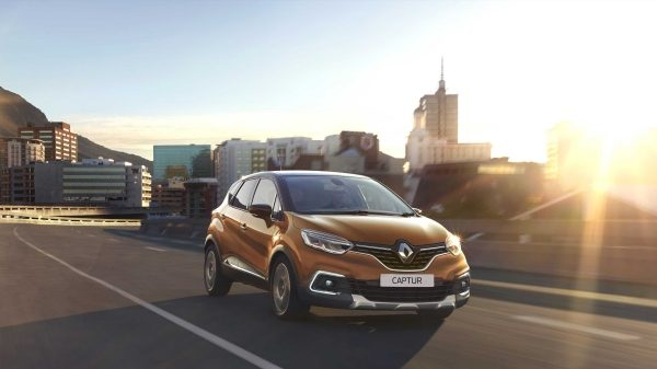 renault-captur-reveal-001.jpg.ximg.l_6_m.smart.jpg