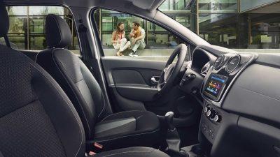 dacia-sandero-b52-design-interior-002.jpg.ximg.l_4_m.smart.jpg